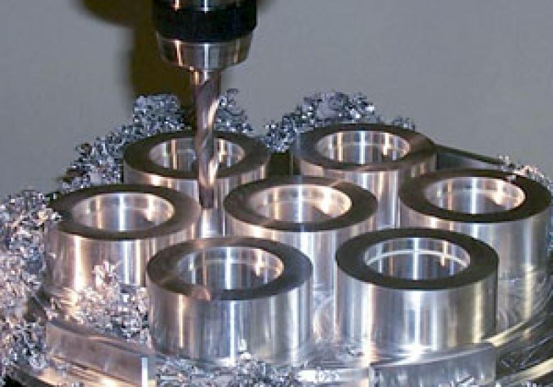 Сверлильные работы по металлу на промышленных станках